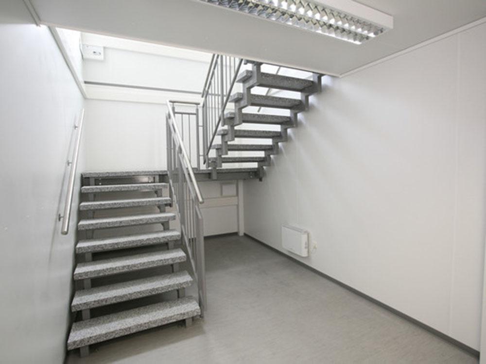 2-kontener-schodowy